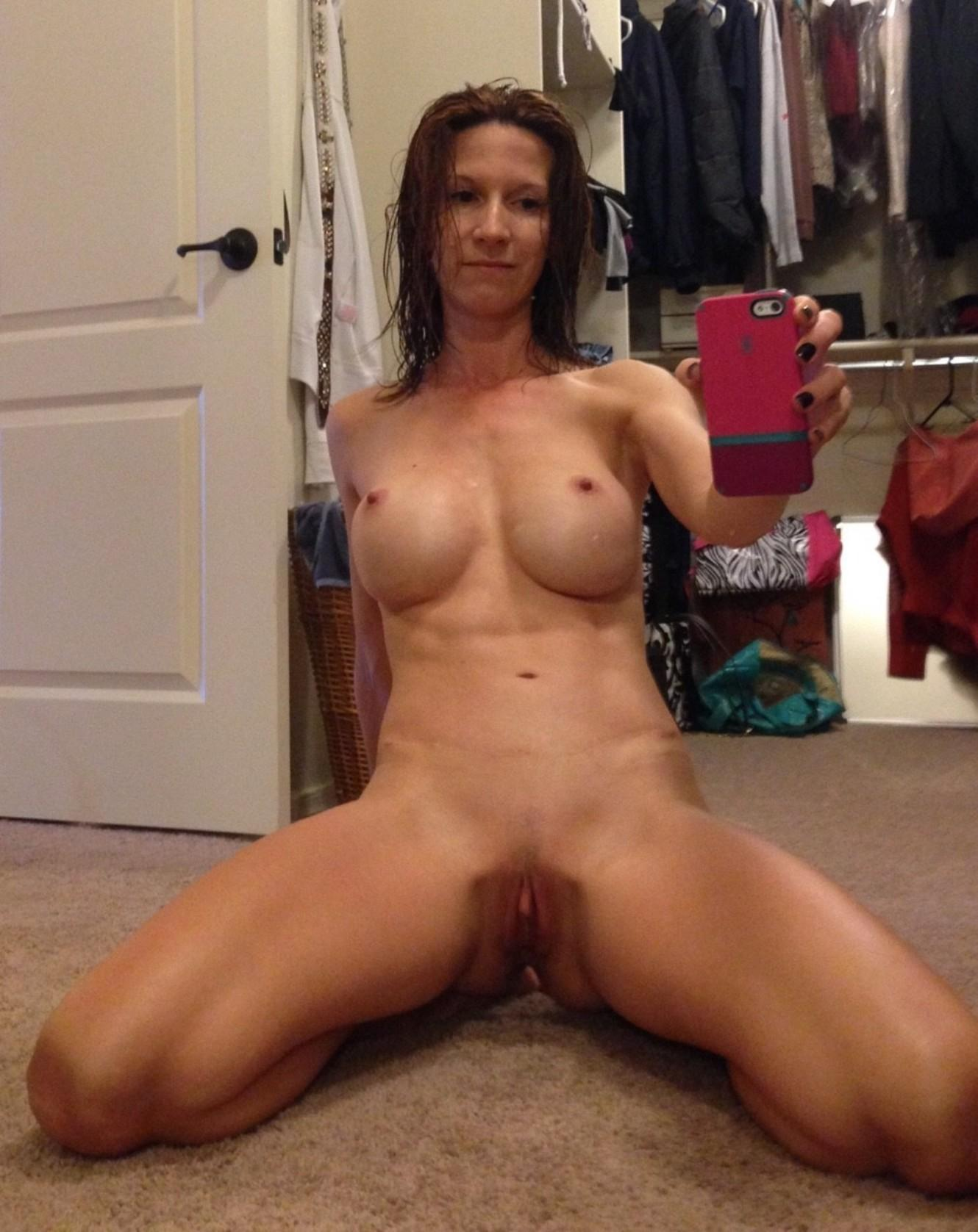 amateur cougar perfect nude tits