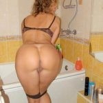 Amateur mature shows ass in the bathroom. Older mom exposes her sexy ass in the bathroom