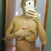 Big Tits MILF take nude selfie