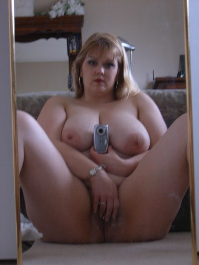 Amateur chubby Milf make xxx selfie of her natural tits in the living room. Hot naked bbw women takes nude selfie in a mirror