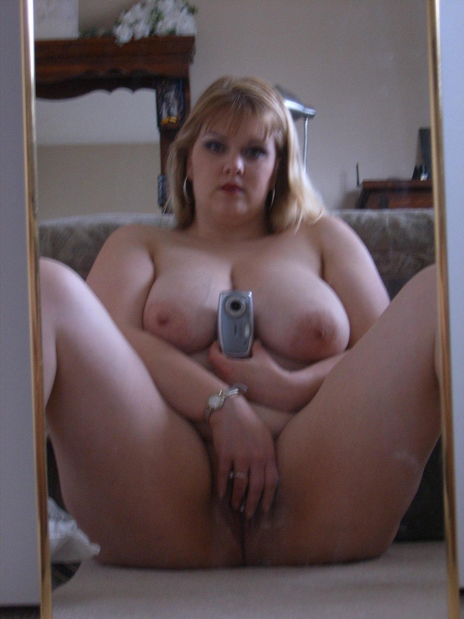 amateur bbw naked selfie