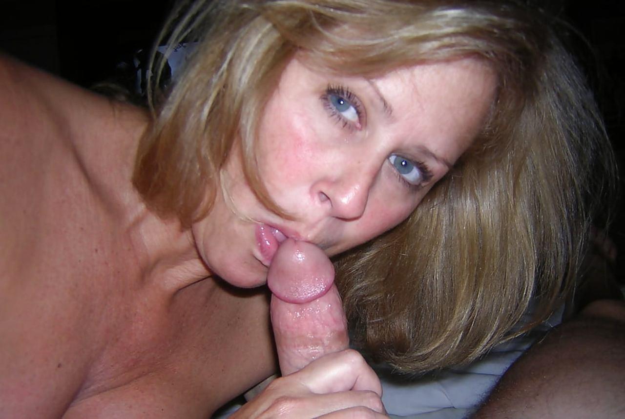 Blonde College Amateur Blowjob