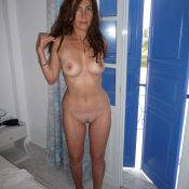 Amazing Mature undressing for nude photo