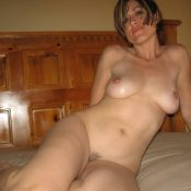 Beauty MILF bares her hot body