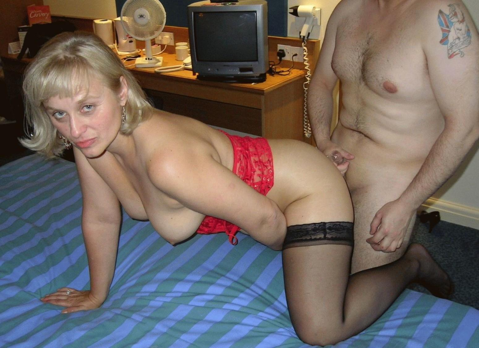 Amateur MILF getting pounded in doggy style is always a fun experience. Horny mature gets her shaved hungry pussy drilled hardcore
